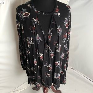 Free People black/red/gray keyhole tunic blouse L